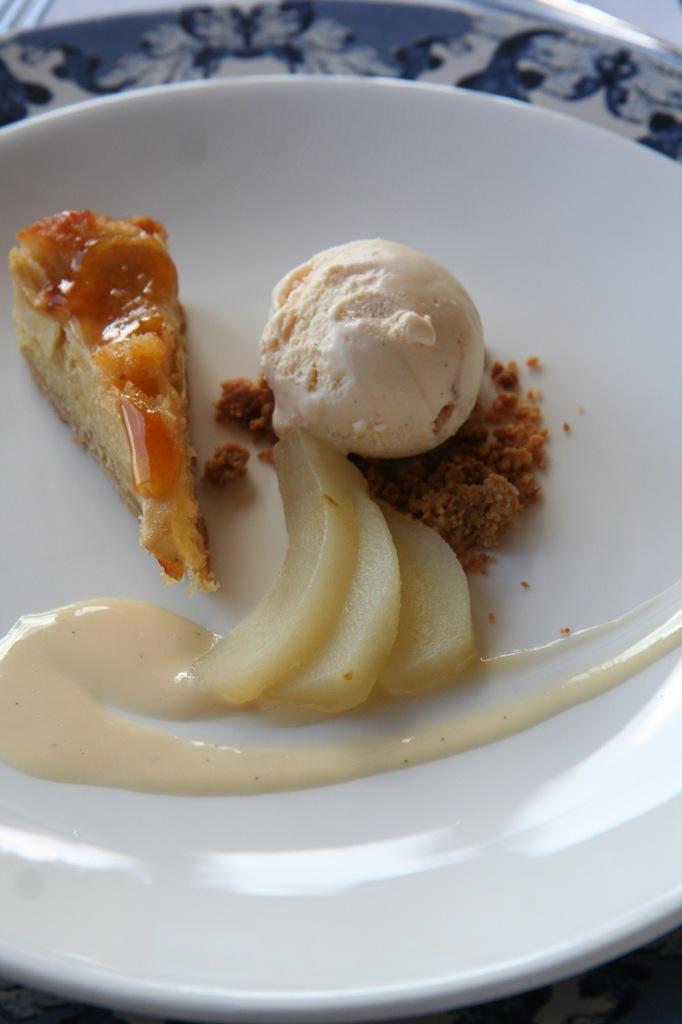 Frangipani tart, pear, apple, vanilla, dolce de leche