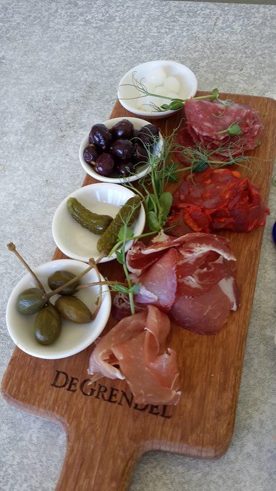 The well known De Grendel Platter