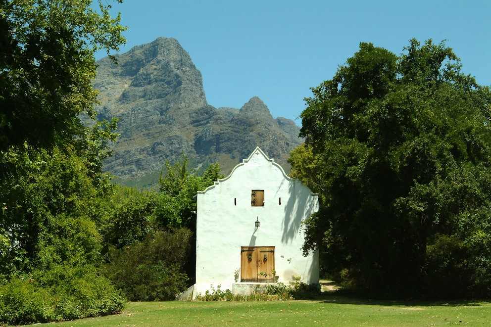 The Old Cellar at Bellingham with the Groot Drakennstein behind it
