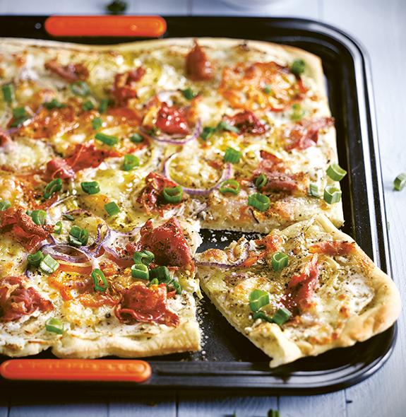 Le Creuset's Three onion pizza with prosciutto