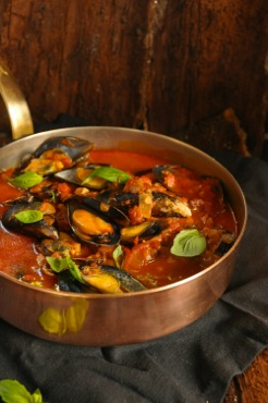 Nina Timm's Mussels in Tomato Sauce