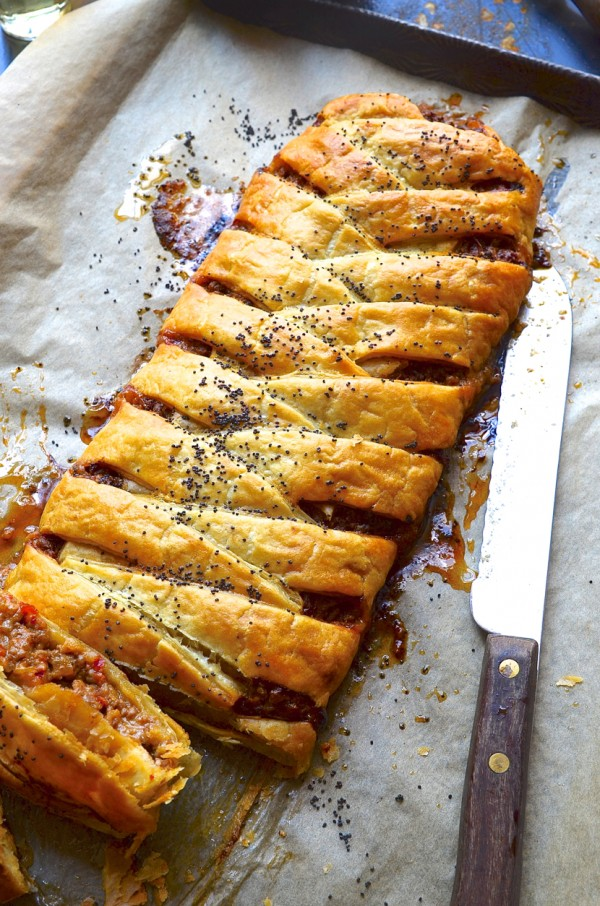 how to make a puff pastry pie base