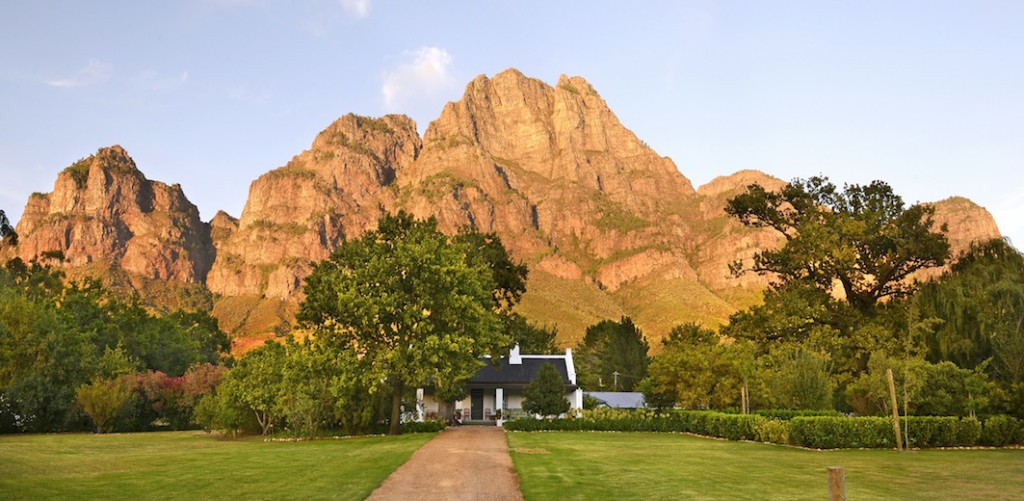 Rhodes Cottage & the majestic Simonsberg at dawn