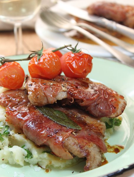 Saltimbocca with garlic & olive oil mash