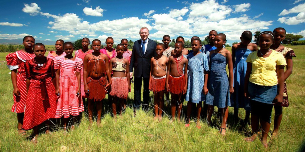17.Laurence Graff with girls from the Graff Leadership Centre in Lesotho