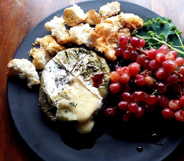 Jane-Anne Hobbs Baked Camembert with Poached Grapes_cropped (1)