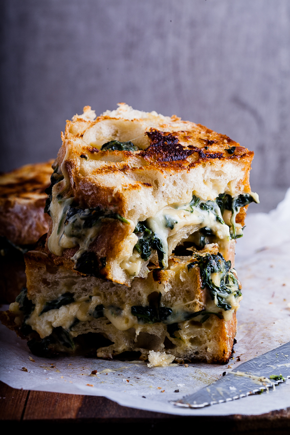Creamed-spinach-grilled-cheese-4