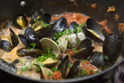 Nadia Gravess Moules et Praires Provençale, mussels & clams with tomatoes, garlic,olive oil & wine